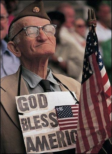 1508644_Old Veteran God Bless America